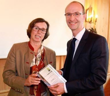 News - Central:  Übergabe Deutscher Beteiligungspreis 2016
