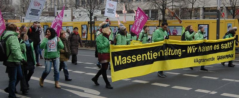 Wir haben es satt: 18.000 Teilnehmer demonstrierten in der Berliner Innenstadt gegen Agrarfabriken und für eine bäuerlich-ökologische Landwirtschaft!