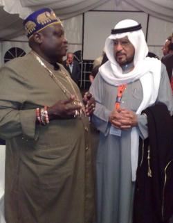 Ost Nachrichten & Osten News | Foto: König Odu Dua von Benin und ehem. kuwaitische Minister Jasem Mohamed Souad Al Oun im vertrauten Gespräch.