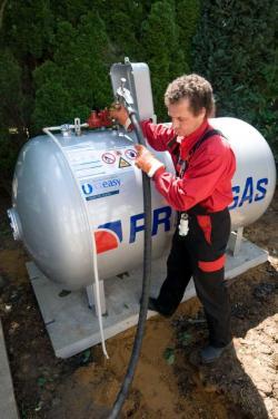 Autogas / LPG / Flüssiggas | Foto: PRIMAGAS gehört zu den führenden Flüssiggas-Anbietern in Deutschland. Als eines der wenigen Unternehmen mit TÜV-geprüftem Service ist PRIMAGAS der ideale Partner für alle Privathaushalte und Betriebe, die auf saubere Energien setzen.