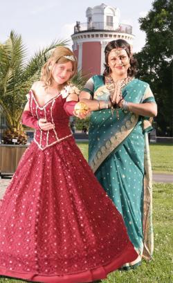 Musik & Lifestyle & Unterhaltung @ Mode-und-Music.de | Foto: Märchenfiguren aus aller Welt freuen sich auf Sie!.