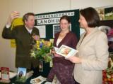 Landwirtschaft News & Agrarwirtschaft News @ Agrar-Center.de | Foto: Bei der Übergabe des Ökopreises wurde Frau Aigner noch einmal mit dem Thema konfrontiert.