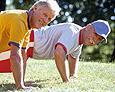 SeniorInnen News & Infos @ Senioren-Page.de | Foto: Bonuspunkte unter anderem für Fitnessprogramme zur Gesundheitsvorsorge stehen im Kreuzfeuer der Kritik.