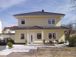 Fertighaus, Plusenergiehaus @ Hausbau-Seite.de | Hausbau & Einfamilienhaus - Foto: Gerade beim Neubau entscheiden sich Bauherren immer häufiger für Wärmepumpen. Foto: Erdwärme-Agentur.