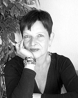 SeniorInnen News & Infos @ Senioren-Page.de | Claudia Cardinal, Gründerin der Sterbeammen-Akademie. Foto: privat.