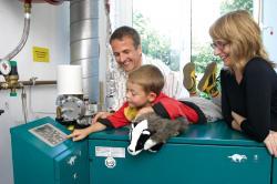 Alternative & Erneuerbare Energien News: Alternative Regenerative Erneuerbare Energien - Foto: In großen Eigenheimen mit hohem Wärmebedarf können Hausbesitzer viel Freude an Mini-Blockheizkraftwerken haben. Foto: SenerTec / Immowelt.de.