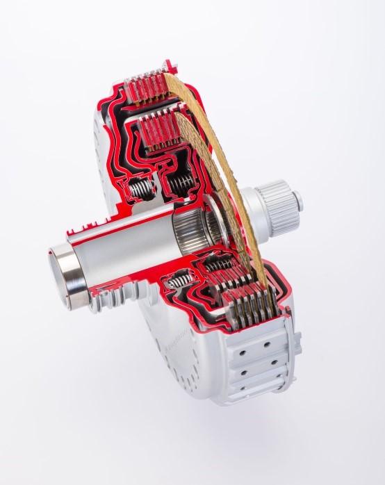 Elektroauto Infos & News @ ElektroMobil-Infos.de. Die speziell für Hochdrehzahl-Anwendungen und Sportwagen entwickelte, innovative Doppelkupplungsmodul-Baureihe von BorgWarner bietet ein verbessertes Schaltgefühl und erhöhte Kraftstoffeffizienz.