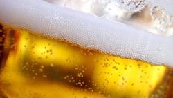 Bier-Homepage.de - Rund um's Thema Bier: Biere, Hopfen, Reinheitsgebot, Brauereien. | Foto: Bei den insgesamt elf von den Handelsmanagern zu bewertenden Kriterien landeten Beck's und Krombacher jeweils fünf Mal an erster Stelle.