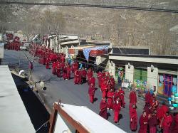 Ost Nachrichten & Osten News | Foto: Protestmarsch der Mönche des Klosters Drepung am 10. März 2008.
