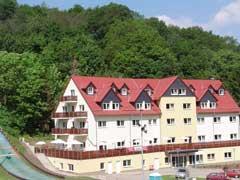 Ost Nachrichten & Osten News | Ost Nachrichten / Osten News - Foto: Die Aktivhotel Wernigerode GmbH betreibt Hotels in Wernigerode / Harz. Das Unternehmen beschäftigt 20 Mitarbeiter und ist auf die Revitalisierung von Hotels im Auftrag von Banken und Privatinvestoren spezialisiert.