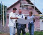 Fertighaus, Plusenergiehaus @ Hausbau-Seite.de | Foto: Zum Selbstbaupaket von PraktikHaus gehören Ingenieurleistungen ebenso wie hochwertige Baumaterialien. Bild: tdx/PraktikHaus.