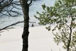 Ost Nachrichten & Osten News | Foto: Fußgänger am Strand von Pobierowo.