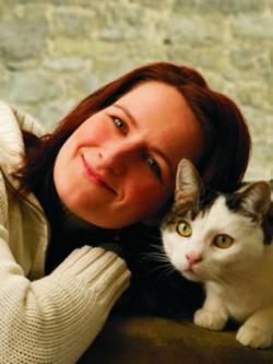 Katzen Infos & Katzen News @ Katzen-Info-Portal.de | Foto: Im Raum München bietet Frau Katja Rüssel hilfe- und ratsuchenden Katzenhaltern ein individuelles und fachlich kompetentes Beratungsangebot im Rahmen eines Hausbesuches an.