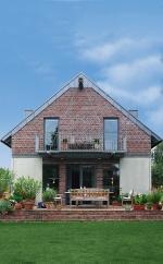 Fertighaus, Plusenergiehaus @ Hausbau-Seite.de | Foto: Dacheindeckungen aus Titanzink sind wahre Anpassungskünstler. Bild: tdx/dach.de.