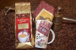 Neue Produkte @ Produkt-Neuheiten.Info | Foto: Den >> Weihnachtskaffee 2009 << gibt es mit einem Gratis-Kaffeebecher auf www.grimka.de.