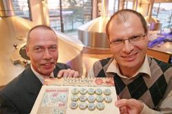 Bier-Homepage.de - Rund um's Thema Bier: Biere, Hopfen, Reinheitsgebot, Brauereien. | Foto: Jens Andrasch (links) und Markus Berberich mit der geehrten Störtebeker-Kronkorkenedition.