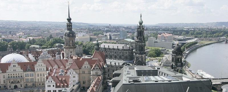 Dresden - eine Stadt im Zwielicht: Hier treffen kulturelle und wirtschaftliche Potenziale auf engstirnige Ansichten - die Gesellschaft ist gespalten!