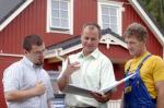 Fertighaus, Plusenergiehaus @ Hausbau-Seite.de | Foto: Bauverträge sind komplex: Wer sich unsicher ist, sollte Expertenrat einholen. Foto: Bauherren-Schutzbund e.V.