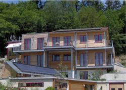 Fertighaus, Plusenergiehaus @ Hausbau-Seite.de | Foto: Das innovative Haustechnikkonzept verhilft dem Nullheizenergiehaus trotz leichter Bauweise und notwendiger sommerlicher Kühlung zu einem Heizwärmebedarf von lediglich 11,3 kwh/(m²a).