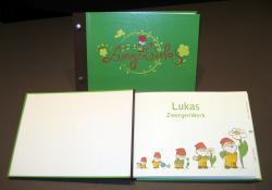 Einkauf-Shopping.de - Shopping Infos & Shopping Tipps | Baby - Portal: Babies & Kids - Foto: Das ZwergenWerk in gebundener Ausführung mit personalisierter Innenseite.
