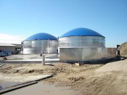 Alternative & Erneuerbare Energien News: Foto: Im Mai 2010 hatte der Bau der dritten Biogasanlage begonnen.