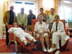 SeniorInnen News & Infos @ Senioren-Page.de | Foto: Mitarbeiter des Palliativzentrums und Vorstandsmitglieder sowie Beisitzer freuen sich über die neuen Therapiemöbel.