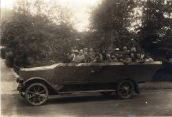 Historisches @ Historiker-News.de | Historiker News DE. Foto:Bild (Archiv Dr. Uwe Lagatz): Im Cabrio durch den Harz im Jahr 1926 .