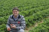 Foto: Jörg Umber ist Obstbauer aus Kirchhellen und verkauft seine Waren nun auch über www.GreenFarmer.de