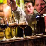 Bier-Homepage.de - Rund um's Thema Bier: Biere, Hopfen, Reinheitsgebot, Brauereien. | Foto: Auf dem 2. Trierer Bierfestival konnten die Gäste Kreationen wie Bierstacheln verkosten © Belichta.