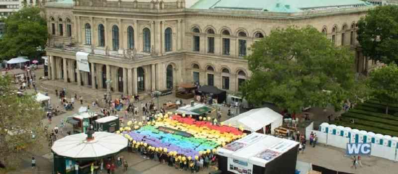 Die Amnesty-Jahresversammlung in Hannover setzt ein Zeichen für die Rechte von LGBTI: Liebe ist kein Verbrechen!