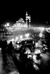 Ost Nachrichten & Osten News | Foto: ©Ara Güler, Straßenverkehr auf der Alten Galatabrücke, 1956