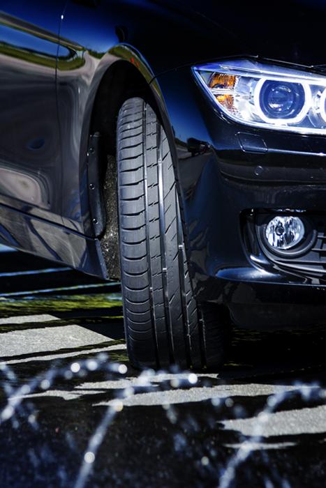 """Der Nokian Line Reifen ist Testsieger in den Sommerreifen-Tests 2013 von """"Auto Bild"""" mit der Bestnote """"Vorbildlich"""" und von """"auto TEST"""" mit Bestnote """"auto TEST Testsieger 2013""""    Foto: Nokian Reifen"""