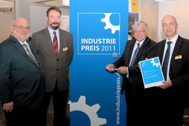 Niedersachsen-Infos.de - Niedersachsen Infos & Niedersachsen Tipps | Die Auszeichnung wird von Dr. Karl Spanner, Geschäftsführer von Polytec (2.v.r.) entgegengenommen, gemeinsam mit Polytec-Mitarbeitern aus Vertrieb und Produktmanagement