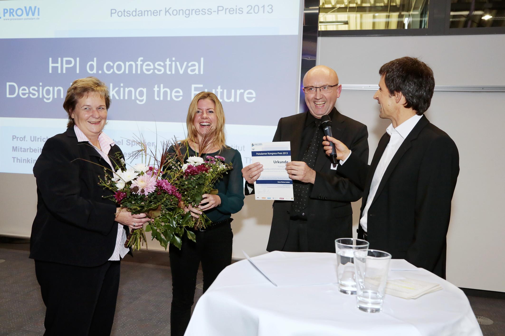 Ost Nachrichten & Osten News | Geschäftsführerin Frau Braun bei der Preisübergabe