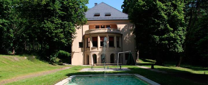 Schweiz-24/7.de - Schweiz Infos & Schweiz Tipps | Villa Hahn: 10 jähriges Jubiläum des Firmensitzes der community4you AG