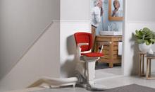 Intelligente Hilfe im Möbel-Look: Lifta Treppenlifte