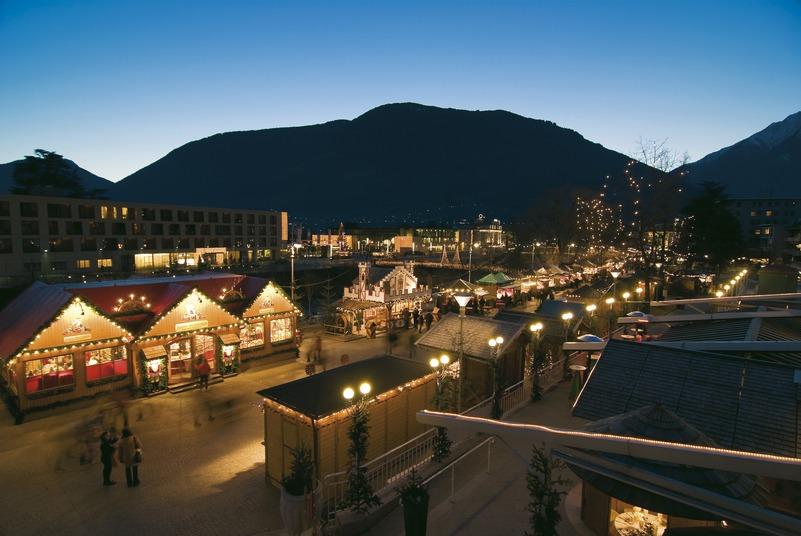 Italien-News.net - Italien Infos & Italien Tipps | Besinnliche Stimmung auf dem Meraner Weihnachtsmarkt – Alex Filz - SMG