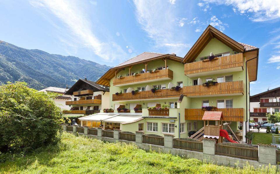 Elektroauto Infos & News @ ElektroMobil-Infos.de. Das Wohlfühl-Hotel Lena in Plaus bei Naturns
