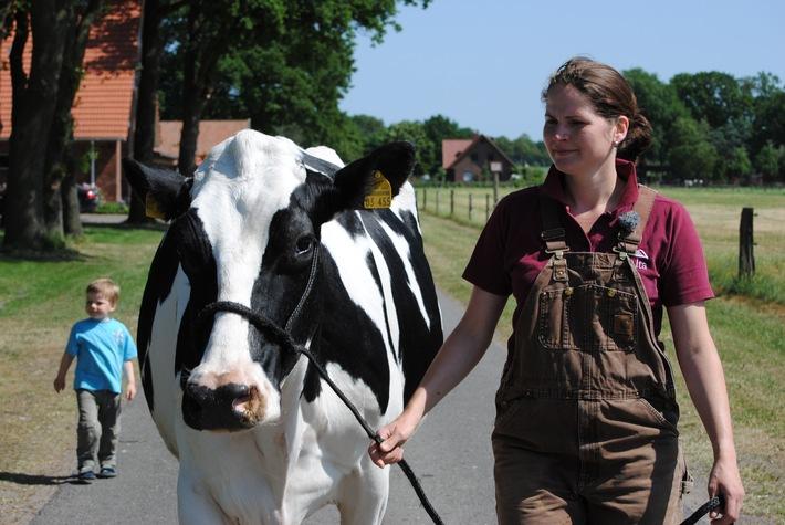 Landwirtschaft News & Agrarwirtschaft News @ Agrar-Center.de | Foto: Janine mit Krista  / Das kleine Fernsehspiel - Die schöne Krista