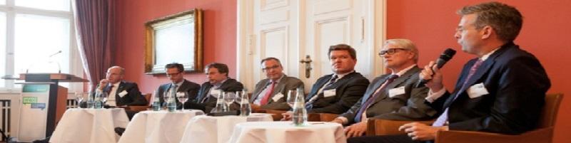 Deutsche-Politik-News.de | (v.l.n.r.) Dr. Timm Kehler, Vorstand Zukunft ERDGAS e.V., Ingmar Streese, Leiter Geschäftsbereich Verbraucherpolitik, Verbraucherzentrale Bundesverband (vzbv), Oliver Krischer (MdB), Stellvertretender Frak